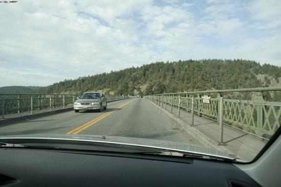 Deception Pass State Park: driving over the bridge