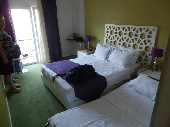 Ayasultan Hotel: double room with fold away bed