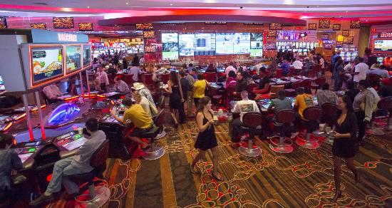 Maryland Live Casino: The R Bar   Where The Entertainment Never Stops.