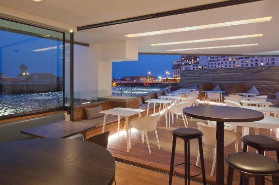 Rocksalt Bar: Overlooking the harbour