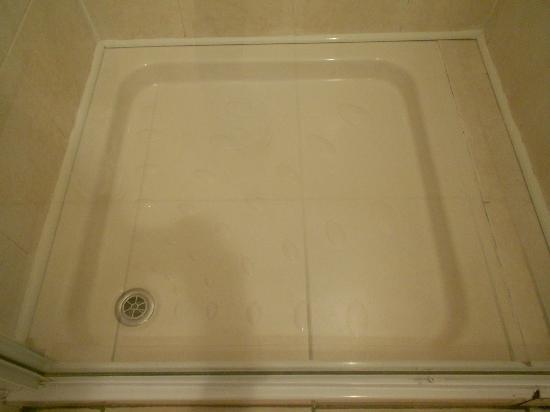 Ashurst Lodge: piatto doccia