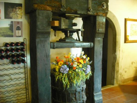 Tuscan Wine Tours with Angie: And old press