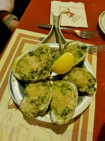 Captain's Tavern : Oysters Rockefeller