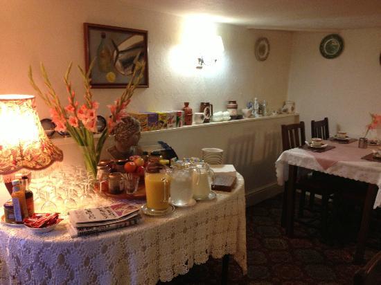 Ashurst Lodge: breakfast
