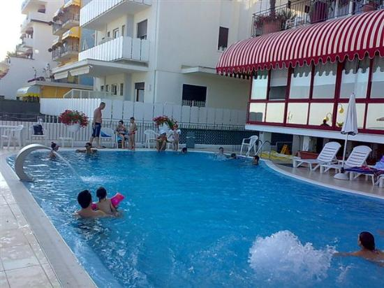 Rivamare Hotel : Pool