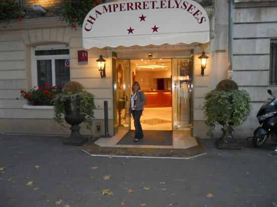 Champerret Elysees: The Hotel