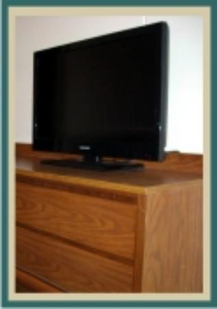 The Lighthouse Inn: Nice Flat screens in most rooms