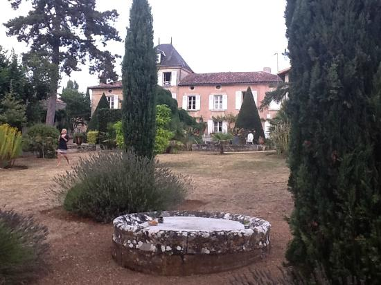 Les Cours du Clain: View of the house from the bootom of garden