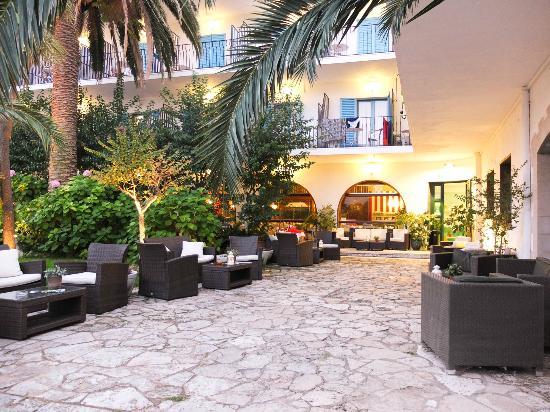 Hotel Bell Repos: Terrace - Garden