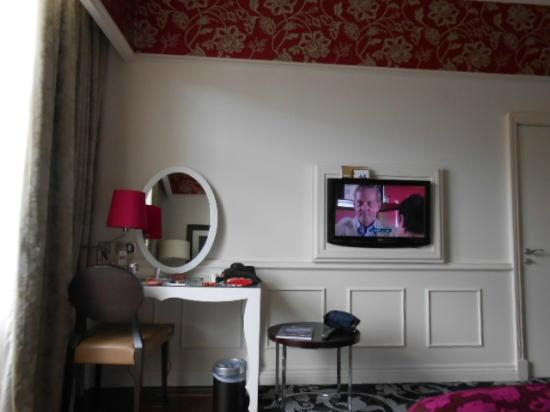 Hotel Indigo Glasgow: from the bed