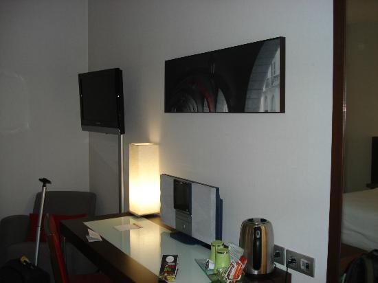 Hotel Ciutat de Girona: Habitación