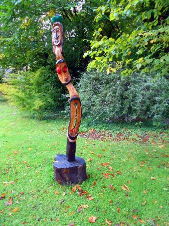 Painswick Rococo Garden: More sculpture
