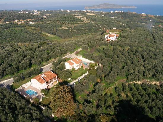 Old Fountain Villas: aerial picture Villa Michalis and Villa Avrilio