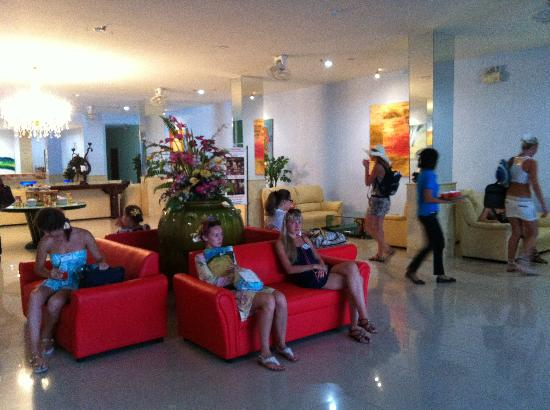 Chalong Beach Hotel and Spa: reception :-)