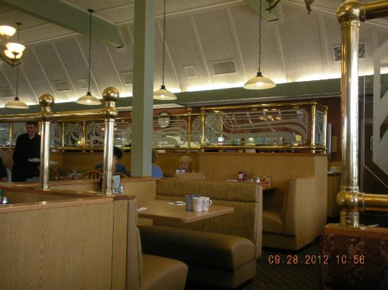 Family Pancake House: Interior