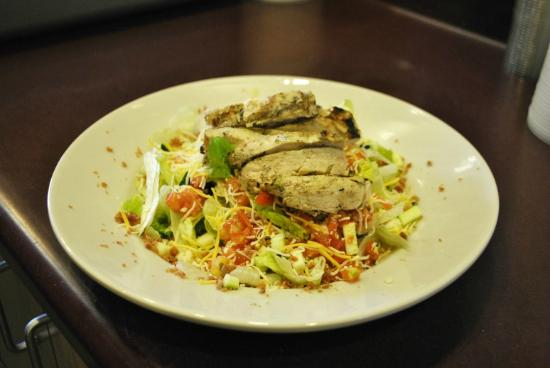 Podnuh's Rib House and Grill: Chicken Salad