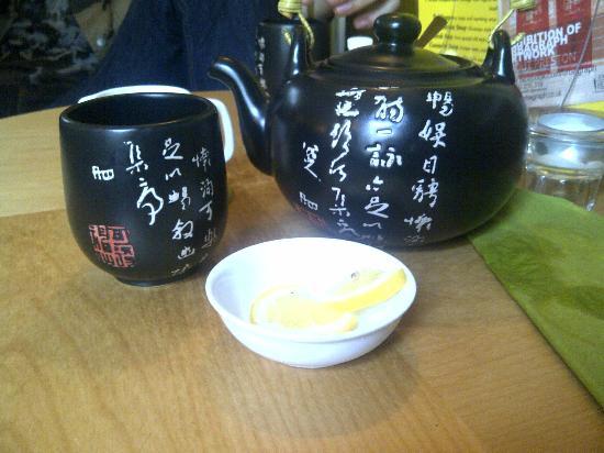 Mystery Tea House: Peach Green Tea for two.