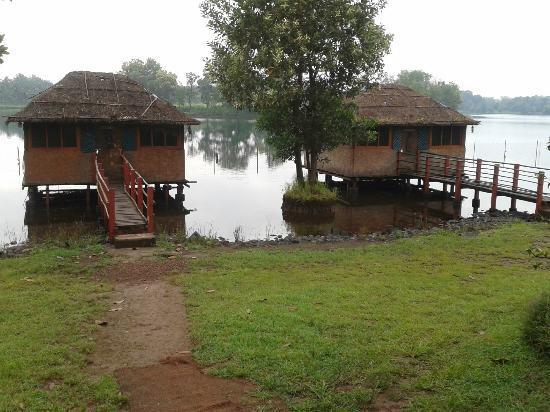 Pooja Farms: rooms