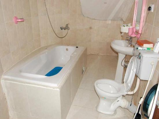 Encore Lagos Hotels and Suites : bathroom