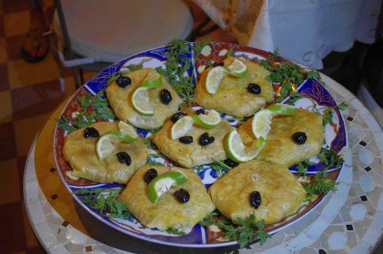 Riad Dar Khmissa: Pastilla aux fruits de mer