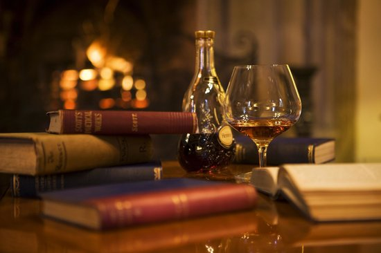 The Manor: Relax in fron of the roaring fire place
