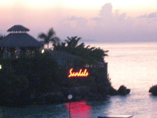 Sandals Ochi Beach Resort: Great view from one of the outside bars!