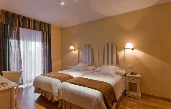 Habitacion doble standard fotograf a de hotel los angeles - Hotel los angeles en granada ...