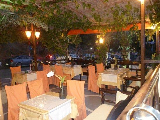 Oasis Restaurant : Inside Oasis.