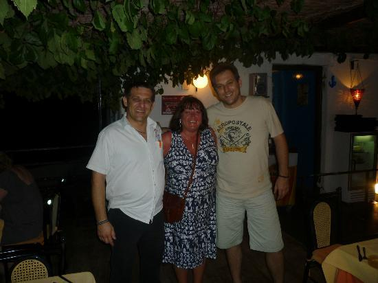 Oasis Restaurant : Me with Roccos and Yannis.