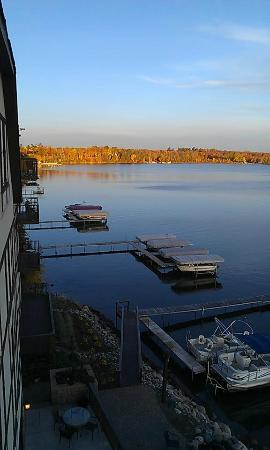 Chase on the Lake: some fall colors