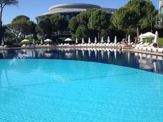 Calista Luxury Resort: vol boekt ?? allemaal lege stoelen !