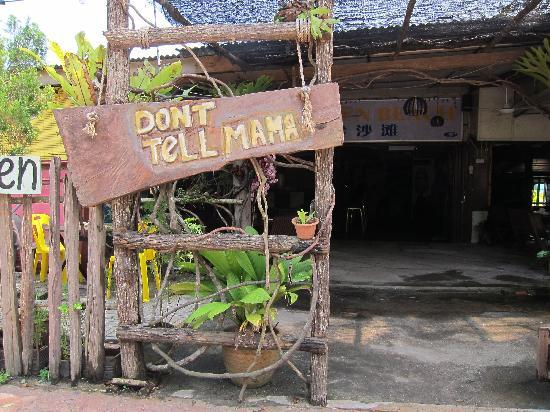 Don't Tell Mama Eco bar: Entrance