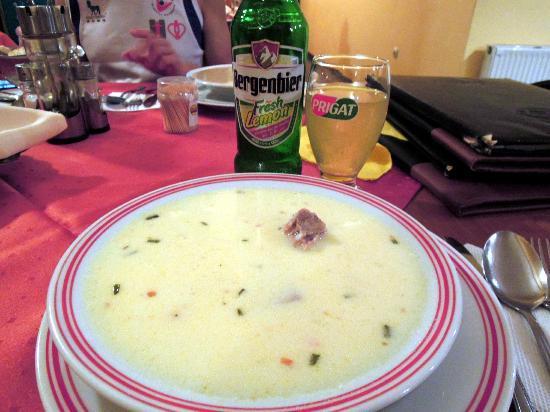 Grand Plaza: Pork sour soup