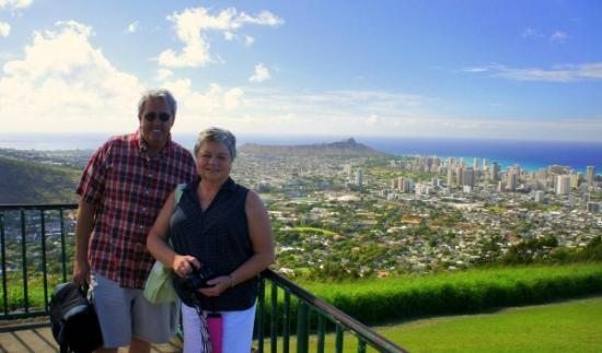 Aloha Private Tours: View from Puu Ualakaa Park
