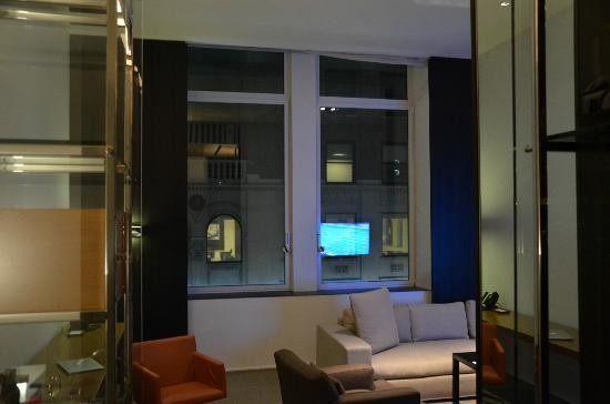 Andaz 5th Avenue: entry