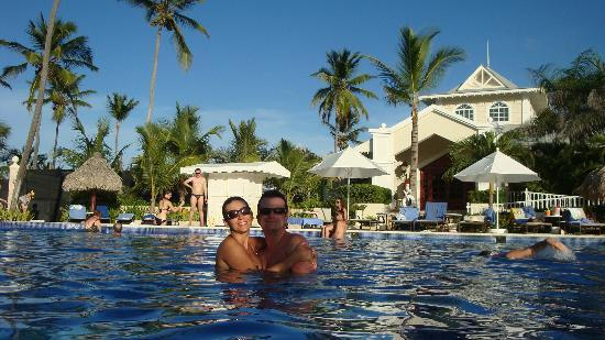 Luxury Bahia Principe Esmeralda: In the pool