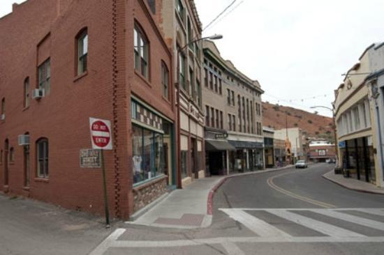 School House Inn Bed & Breakfast: Main Street in Bisbee