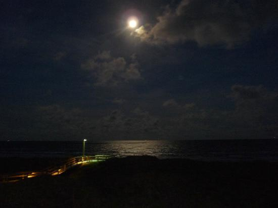 La Mirage Condominiums: Moon reflecting on ocean from balcony