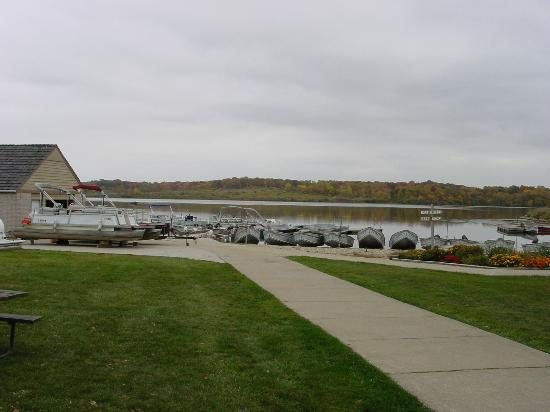 Shabbona Lake State Park: boat rental