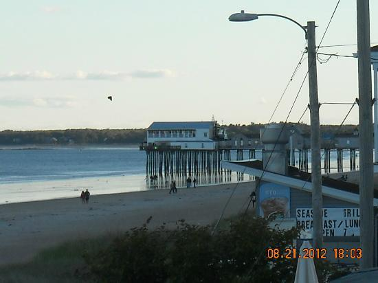 Alouette Beach Resort: The Pier
