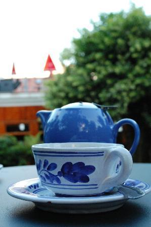 Casa Teahouse & Bar: tea in garden