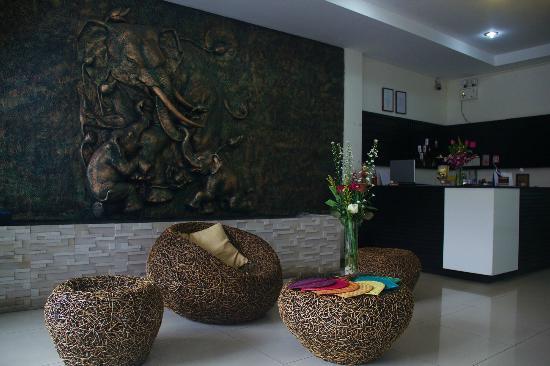 Nirvana Inn: reception