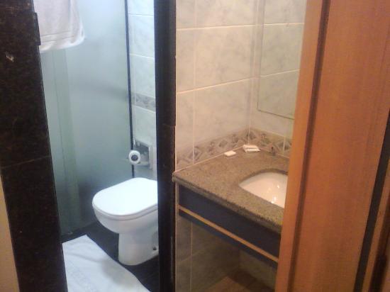 Hotel Columbia: banheiro