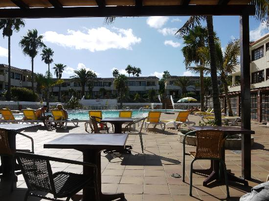 Fuentepark Apartamentos: View from pool bar