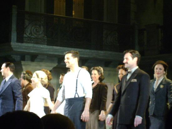 Marquis Theatre: Cerveris, Elena y Ricky en el saludo final