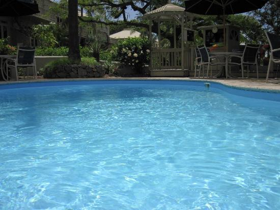 Gallows Point Resort: Sparkling Pool