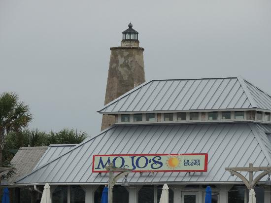Mojo's on the Harbor: View coming into the Marina