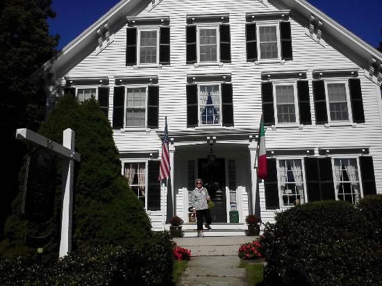 Camden Maine Stay Inn: First day - leaving to walk into town