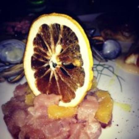 Ristorante Torre: tartarre di tonno e arancio