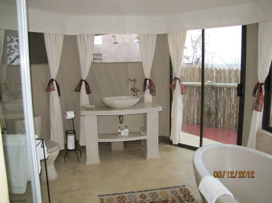 The Elephant Camp: Bathroom in Elephant Camp tents